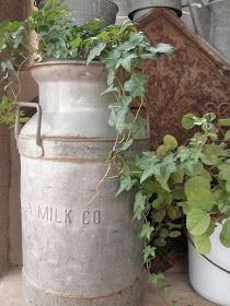 24 Rustic Farmhouse Milk Can Decor Ideas for a Touch of Country Charm - DIY and Craft Ideas & Home Decor Antique Milk Can, Vintage Milk Can, Vintage Items, Milk Can Decor, Old Milk Cans, Milk Jugs, How To Clean Iron, Porch Decorating, Decorating Ideas