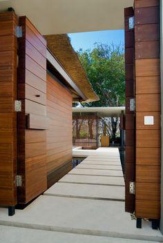 Modern architecture - Tonton Studio (Anthony Liu & Ferry Ridwan) - the balé - nusa dua - bali - deluxe single pavilion - entrance