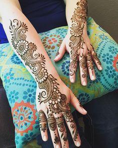 First time henna and she did it right! #sarahenna #henna #hennapro #mehndi #Kirkland #kirklandart #seattlehenna #seattle #pnw…