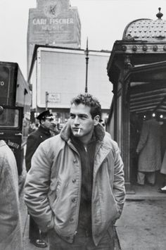 Paul Newman in New York City during the filming of Somebody Up There Likes Me, 1956. By Sanford Roth. by sonja