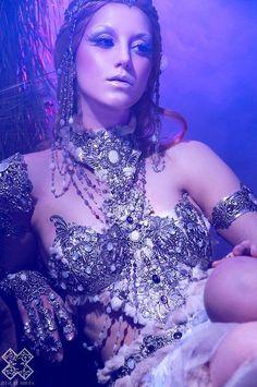 ♥ just a bit of bling ;)  Model - Psyché Ophiuchus Artist / Jeweller - http://amonseuldesir.net/ - GOTHIC MEDIEVAL, Elven, Fairy, VICTORIAN AND STEAMPUNK Photographer - Julie de Moura http://juliedemoura.com/