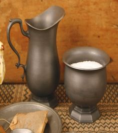 ** Circa Home Living ** Pewter Footed Sugar & Creamer Set Antiques Value, Iron Decor, Old Kitchen, Antique Pewter, Rustic Design, Restoration Hardware, Country Decor, Candlesticks, Home And Living