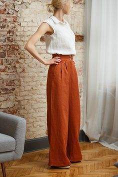 Linen pants PRAGUE in redwood, Loose linen pants, High waist linen trousers with pockets by LinaKraun Linen Pants Outfit, Linen Pants Women, Linen Trousers, Pants For Women, Clothes For Women, Loose Pants Outfit, Cute Fashion, Fashion Outfits, Mode Inspiration