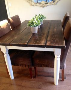 LOVE this farmhouse table! I am going to redo our kitchen table like this!!!! I loooovvveeee it!