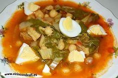 Potaje de garbanzos con acelgas y bacalao. Spanish Kitchen, Spanish Food, Spanish Meals, Latin Food, Soups And Stews, Bon Appetit, Tapas, Curry, Dinner Recipes