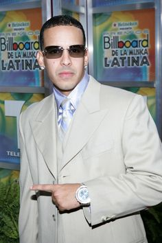 Daddy Yankee Photos Photos - Rapper Daddy Yankee arrives at the 2005 Billboard Latin Music Awards at the Miami Arena on April 28, 2005 in Miami, Florida. - 2005 Billboard Latin Music Awards - Arrivals
