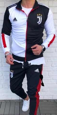Stylish Men, Men Casual, Mens Sweat Suits, Mens Tracksuit Set, Polo Shirt Design, Track Suit Men, Polo T Shirts, Suit Fashion, Style