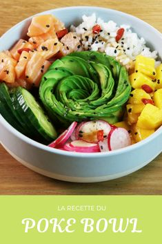 The recipe for the poke bowl and its avocado rose: the recipe .-La recette du poke bowl et sa rose d'avocat : la recette gourmande et healthy The recipe for the poke bowl and its avocado rose: the delicious and healthy recipe - Healthy Dinner Recipes, Gourmet Recipes, Healthy Snacks, Vegetarian Recipes, Healthy Eating, Healthy Bowl, Diet Snacks, Healthy Nutrition, Poke Bowl