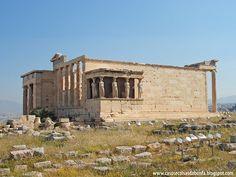 Erecteion - É um Templo Grego consagrado a Atena, Hefesto e Erecteu que foi erguido entre 421 a 406 a.C. É reconhecido como o mais belo monumento em estilo jônico da antiguidade.