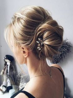 Модная прическа пучок 2018 - фото идеи вечерней и повседневной прически пучок | Beautylooks