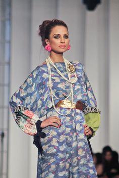 Pakistan~love the earrings