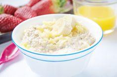Wenn es am Morgen einmal schnell sein muss, aber das Frühstück trotzdem gesund sein soll - dann ist das Rezept vom Früchte-Frühstück perfekt.