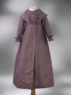 Coat dress  Place of origin: England, Great Britain (made)  Date: 1820-1830 (made)