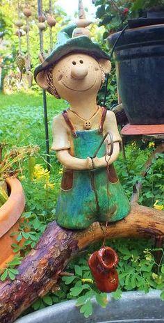 """Funny Felix """"Kleiner Angler"""" Glücks-Gartenkeramik Keramik von Terra-Cottage auf DaWanda.com"""