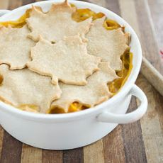 Butternut Squash and Lentil Pot Pie -- love the leaves on top for #fall