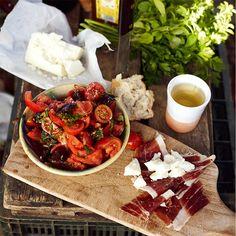Tomatensalade met chorizo & peterselie