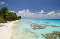Lovely beach at Fakarava in the Tuamotu Archipelago in Polynesia, Pacific Ocean. Photo by Julien Huc