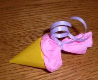 Mini-Schultüte aus Faltpapier basteln