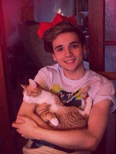 Oh & he likes cats  elyar fox