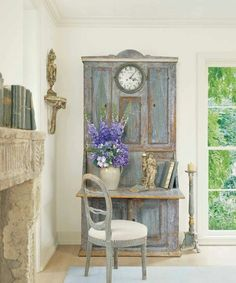 A Salvaged Door Turned Into a Wonderful Desk Top!