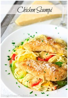 White wine Italian spices and sautéed bell peppers make this chicken scampi a phenomenal choice for a fancy dinner. Chicken Pasta Dishes, Pan Fried Chicken, Chicken Scampi Recipe, Crockpot, Sauteed Peppers, Red Peppers, Italian Spices, Chicken Recipes Video, Best Italian Recipes