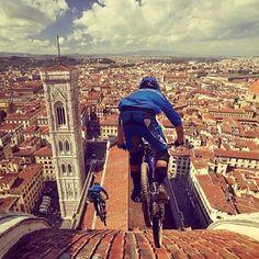 Not your average tour of Florence ♀️ #pedaloff #florence #cycletour #scenic : @bikingrepost @visit_florence