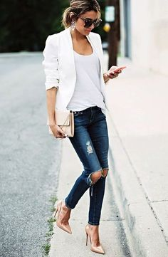 What a great outfit! Casual but chic. Where to buy the outfit ?