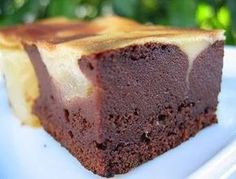 Gâteau léger poire et chocolat - Desserts With Biscuits, No Cook Desserts, Fall Desserts, Pear And Chocolate Cake, Chocolate Desserts, Sweet Recipes, Cake Recipes, Dessert Recipes, Dessert Light