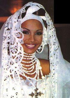 Traje típico Mantuanas - Carolina Indriago en el Miss Universo...