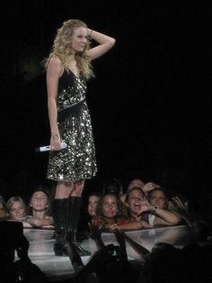 taylor swift fearless tour your not sorry | Description Taylor Swift - Fearless Tour - Jacksonville 04.jpg