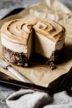 «Cheesecake» banane et caramel - K pour Katrine Vegan Cheesecake, Cheesecake Recipes, Dessert Sans Gluten, Vegan Nutrition, Caramel, Cravings, Sweet Treats, Food And Drink, Favorite Recipes