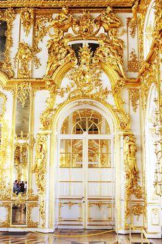 """Résultat de recherche d'images pour """"architecture palace white and yellow"""""""