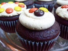 Reese's Pieces Cupcakes | Your Cup of Cake