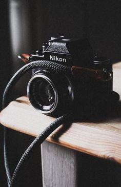 Dslr Camera Straps, Leather Camera Strap, Camera Nikon, Film Camera, Nikon F2, Perfect Camera, Best Camera, Old Cameras, Fotografia