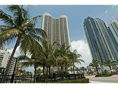 17201 COLLINS AV 3505, Sunny Isles Beach, FL 33160 - ENJOY THIS BEAUTIFUL 3BDS WITH A DEN OR OFFICE WITH SPECTUCULAR VIEW OF THE OCEAN INTERCOASTAL, DOWNTOWN MIAMI AND AVENTURA. CALCATA MARBLE in a livinroom and kitchen area.FULL SERVICE BUILDING WITH FULL AMENITIES.