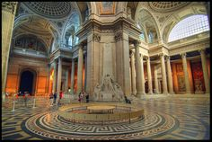 The Pantheon...Among those buried at The Pantheon are the painters Raphael and Annibale Caracci, and the architect Baldassare Peruzzi. Also buried there are two kings of Italy: Vittorio Emanuele II and Umberto I.