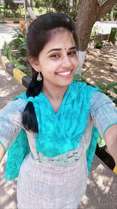 Beautiful Girl In India, Most Beautiful Indian Actress, Beautiful Girl Image, South Indian Hairstyle, Indian Hairstyles, Cute Beauty, Beauty Full Girl, Real Beauty, Arabian Beauty Women