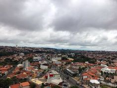 Carnaval deste domingo poderá ser de chuva -     Neste domingo, dia 26, devido a passagem de uma frente fria pelo litoral do estado de São Paulo, o tempo segue nublado a parcialmente nublado com ocorrências de chuvas e trovoadas isoladas em várias regiões do estado. Temperaturas em declínio.  De segunda-feira (27/02) até - http://acontecebotucatu.com.br/cidade/carnaval-deste-domingo-podera-ser-de-chuva/