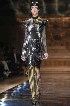 Oscar Carvallo Couture Spring Summer 2014 Paris - NOWFASHION