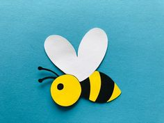 6 Bee die cuts, large paper Bees, Bee embellishments, Bee gift tags, Bee themed baby shower, Bee bir Paper Flowers Craft, Flower Crafts, Toddler Crafts, Preschool Crafts, School Picture Frames, James Bond Party, Baby Shower Garland, Plastic Bottle Art, Easy Easter Crafts