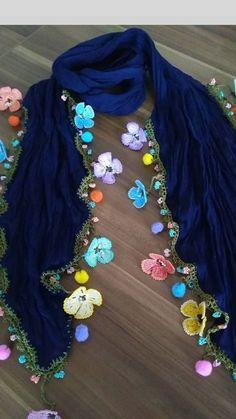 Best 12 Bufandas y crochet – SkillOfKing. Embroidery Purse, Hand Embroidery Designs, Fancy Blouse Designs, Designs For Dresses, Crochet Scarves, Crochet Shawl, Lace Patterns, Crochet Patterns, Saree Tassels Designs