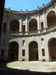 Palazzo Farnese, Caprarola(VT) , corte interna