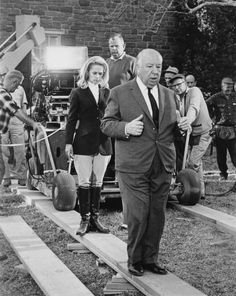 BROTHERTEDD.COM Alfred Hitchcock, Entertainment Weekly, Classic Hollywood, Old Hollywood, Hollywood Picture, Tippi Hedren, Mel Gibson, Moving Pictures, Actors