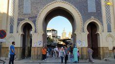 Hoy nuestros viajeros descubren la ciudad Imperial de Fez. Paseamos por las calles de su laberíntica medina donde disfrutar de la belleza de su arquitectura y conocer los diferentes trabajos de sus artesanos. Descubre esta ciudad declarada Patrimonio de la Humanidad. www.alimatours.com #africa #alimatours #marruecos #marocco #morocco #maroc #fes #fez #culture #arquitectura #medina #zoco #cultura #arabic #mochileros #viajeros #turismo #tourism