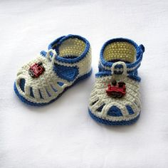Crochet Baby Shoes Crochet baby sandalsCrochet boys by NPhandmadeCreations on Etsy - These cute little sandals will be a great addition to any baby boy wardrobe. Made with blend of cotton Diy Crochet Sandals, Crochet Baby Shoes, Crochet For Boys, Crochet Baby Booties, Knit Baby Booties, Baby Boots, Russian Crochet, Baby Shoes Pattern, Baby Knitting Patterns