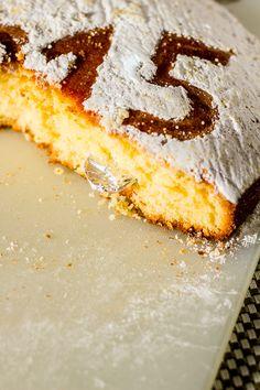Vasilopita - Greek New Years Cake Recipe Prague, vaselopita greek new years. Vasilopita Cake, Greek Sweets, Greek Desserts, Greek Recipes, Greek Bread, Greek Cake, Recipe Fo