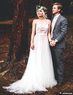 parker aspyn pose wedding photos photo instagram