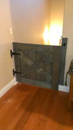 3ft high stair gate that will pass your licensed home daycare inspection.made entirely from a pallet.