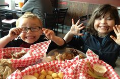 Yes, there is such a thing as a free meal. Here are our favorite places where kids can dine for free Monday through Sunday.