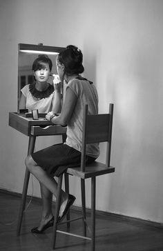 "Dressing table ""Molbert"" for make-up"